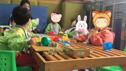 机构互访——孩子在玩耍(威权康复中心)